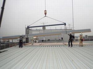 長さ12mの折板搬入