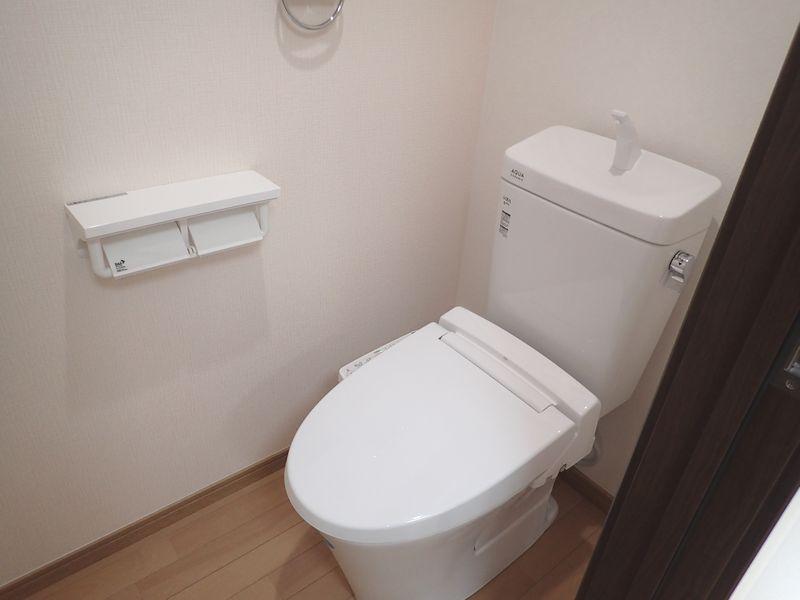 トイレ(LIXILアメージュ・シャワートイレKBシリーズ)