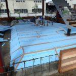 1階にドマフォーム(断熱材+防湿シートが一体)を敷いています。