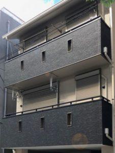 屋根:カラーベスト ケイミュー コロニアル遮熱グラッサ 外壁:サイディング ニチハ モエンエクセラード16