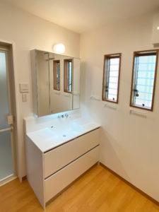 1階洗面所 サンワカンパニープレーンVアップライト1200+ステムズミラーボックスLED
